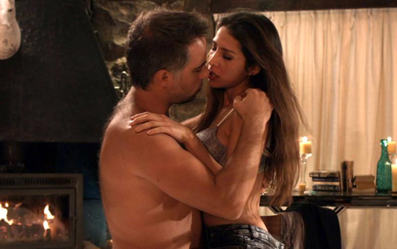 Preciosas Semi Desnudo De Loreto Aravena Y Paulo Brunetti Hizo