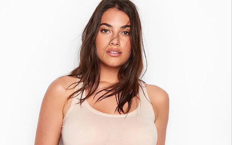 """Modelo """"curvy"""" de Victoria's Secret cuenta qué piensa de los kilos demás"""