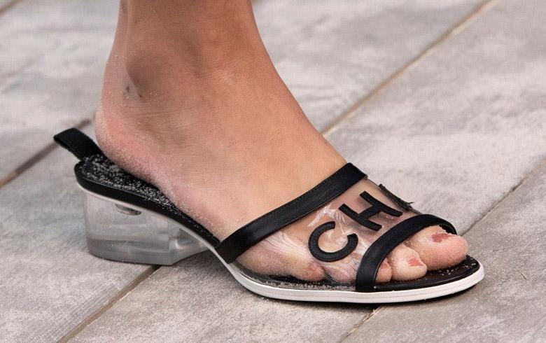 Las sandalias que se roban la atención de las celebridades y trendsetters