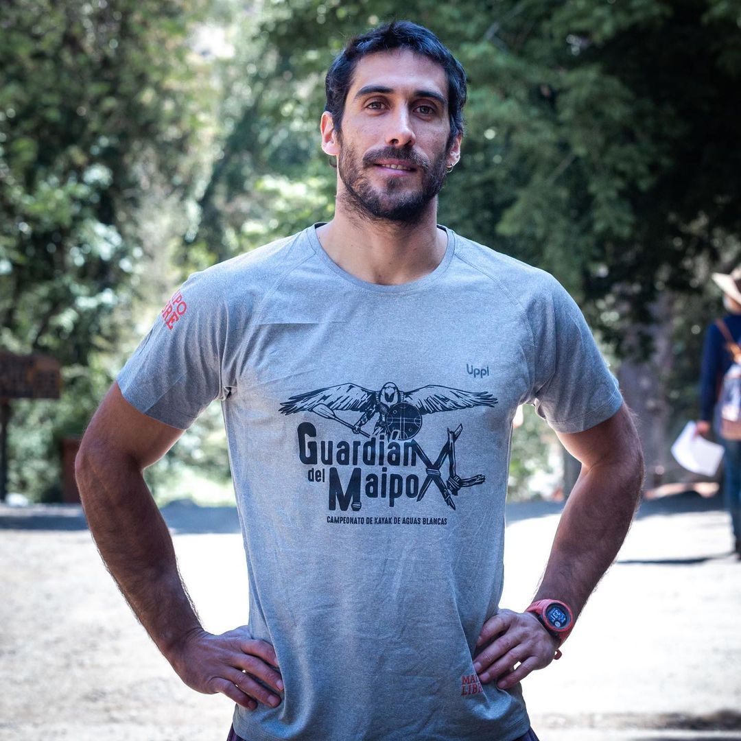 Pedro Astorga sufre accidente al tirarse en kayak