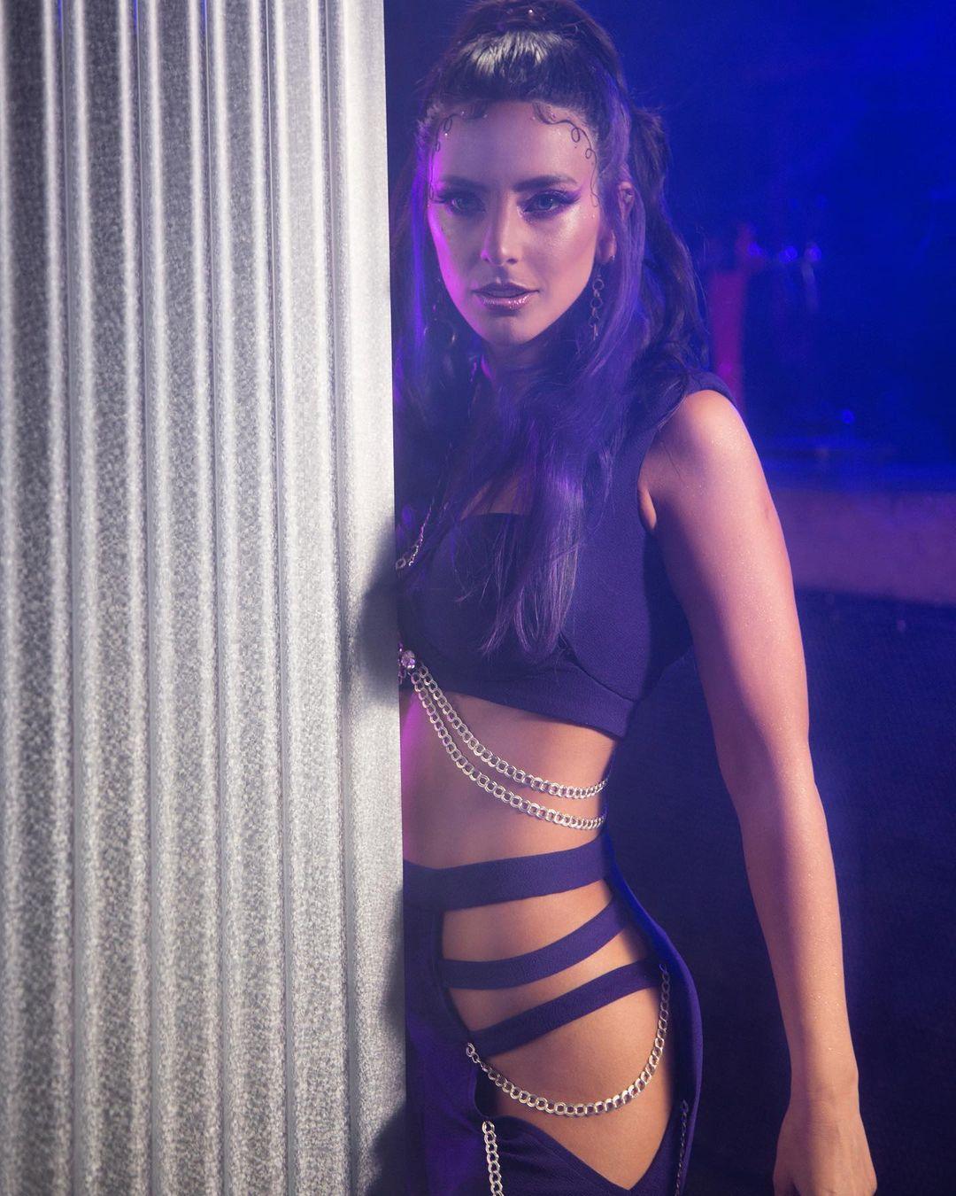 Daniela Castillo cambia de look y se une a tendencia del momento