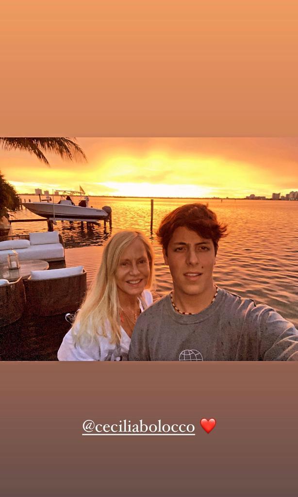 Máximo Menem sorprende con foto al natural desde Miami