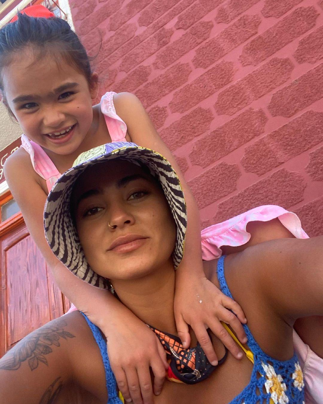 Camila Recabarren comparte especial mensaje para su hija