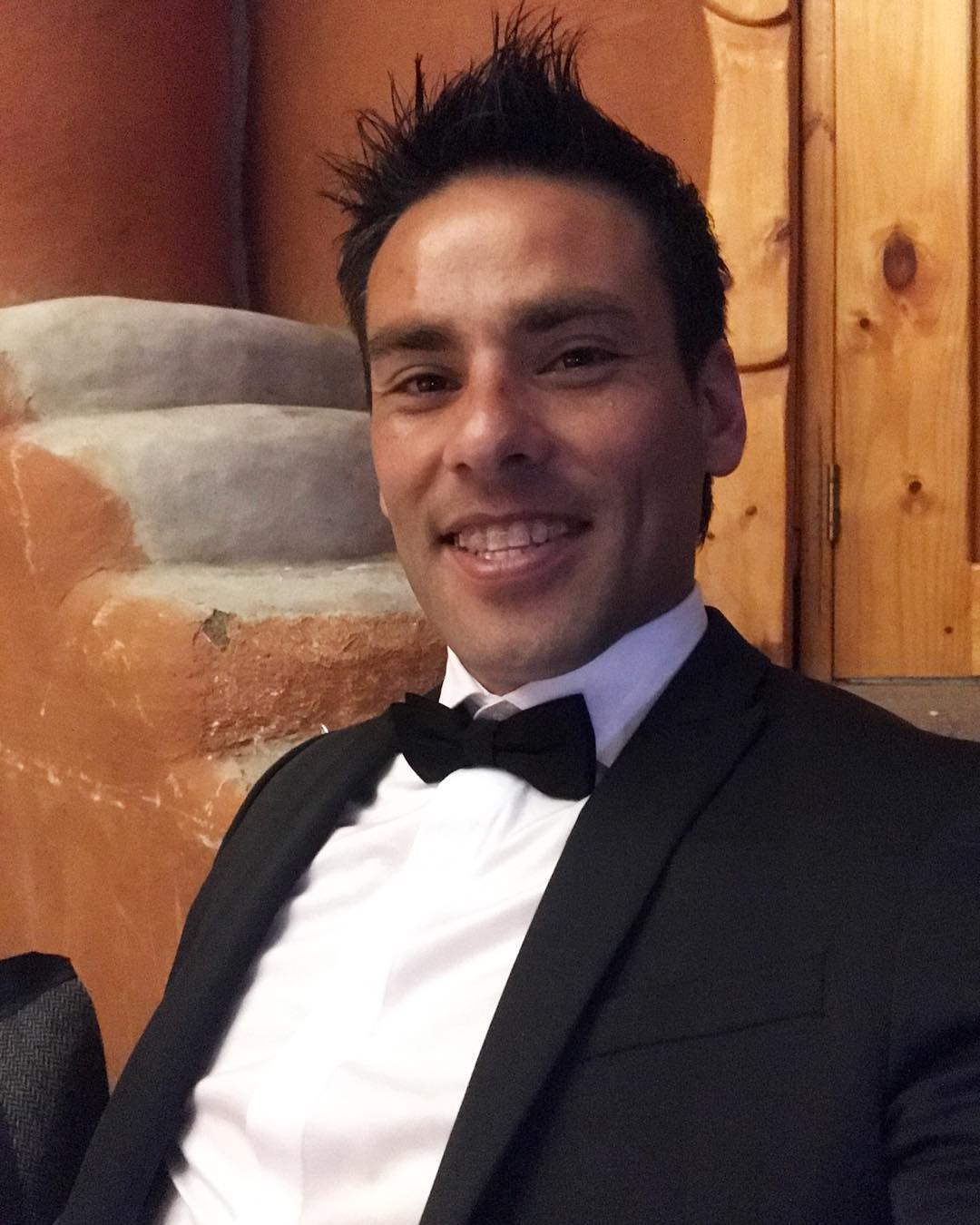 Claudio Valdivia luce su trabajado físico en ropa interior
