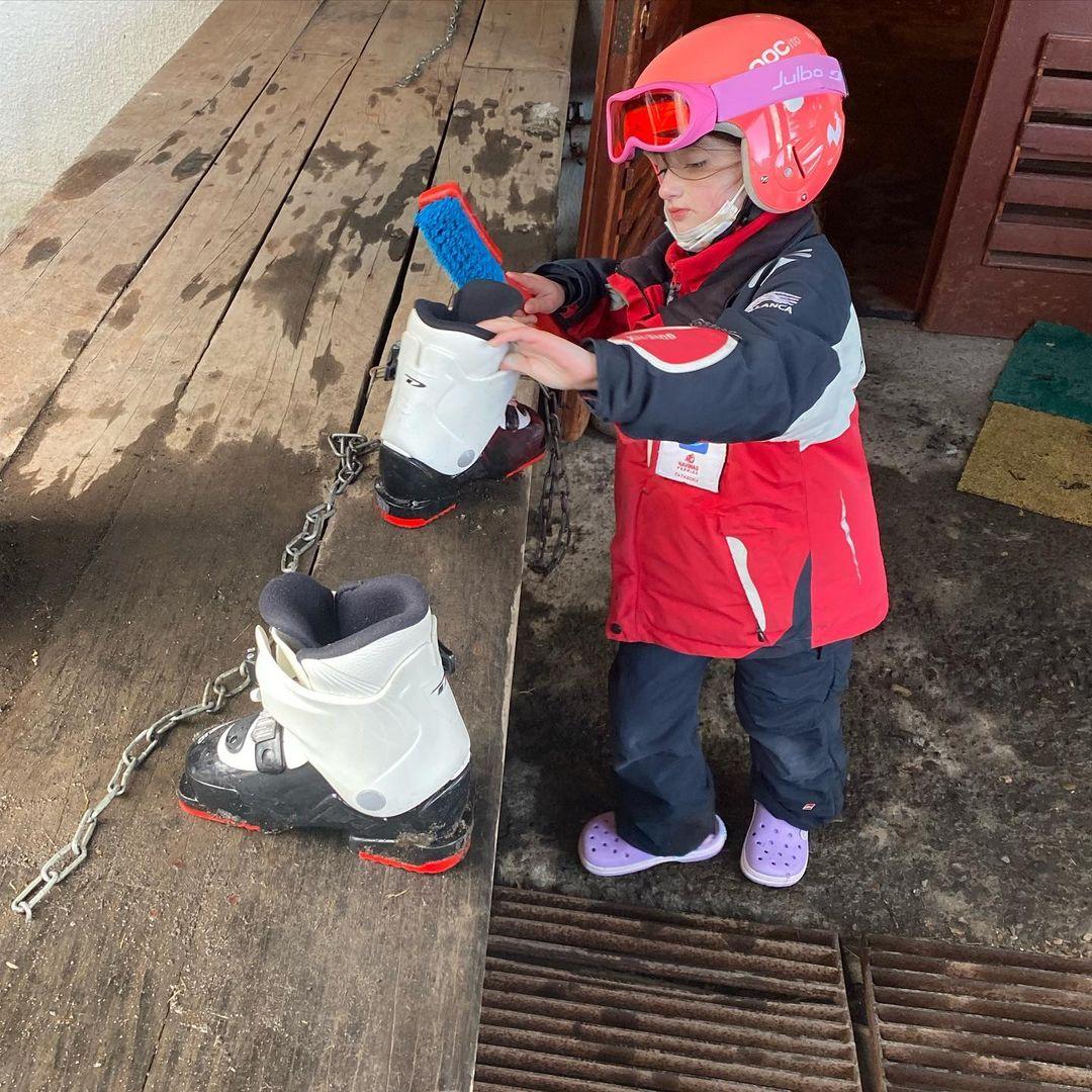 Dominique Gallego sorprende al mostrar a su hija esquiando