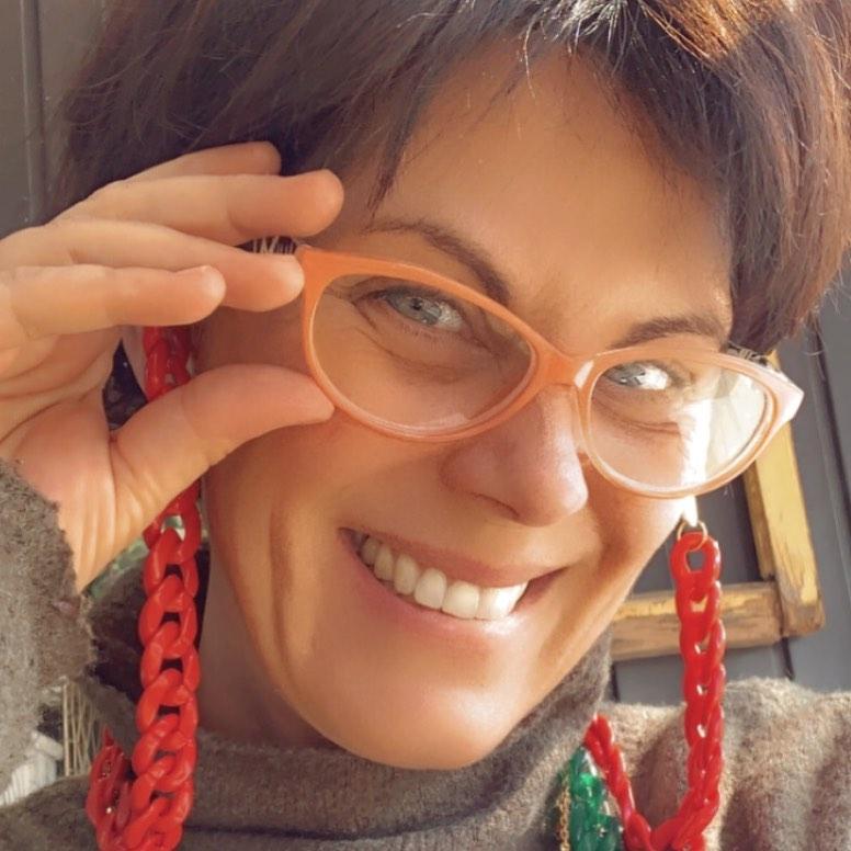 Paola Volpato encanta con postal al natural en el extranjero