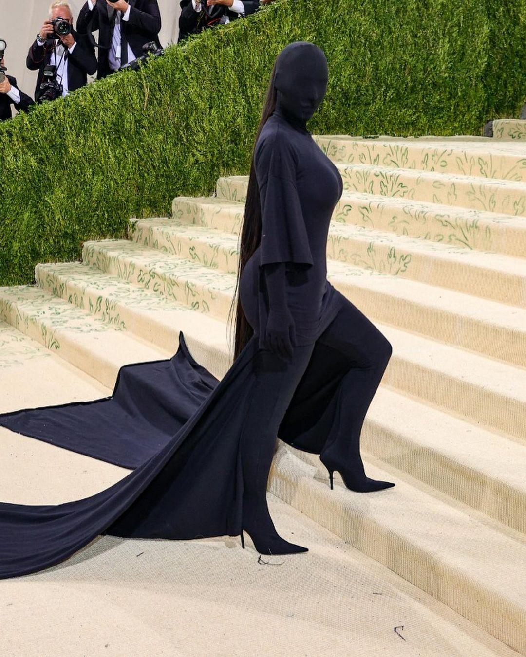 Kim Kardashian: los memes por su look en la Met Gala 2021