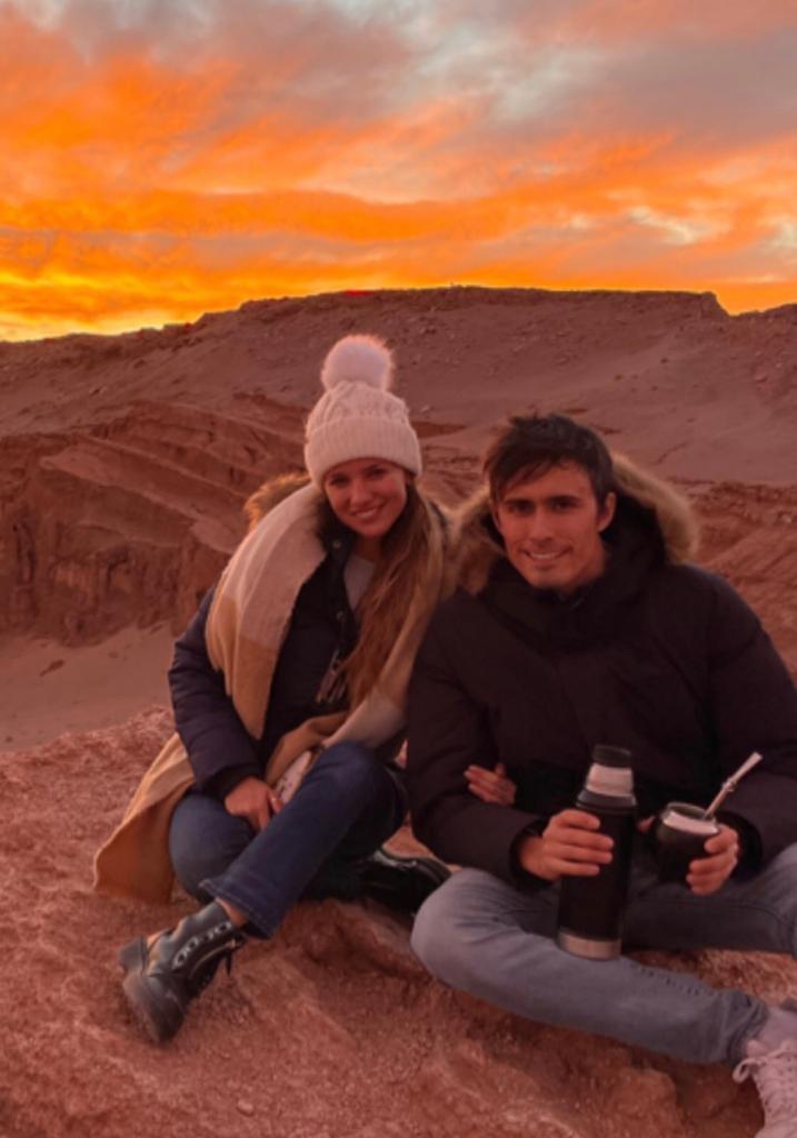 Roberto Cox muestra sus románticas vacaciones de invierno