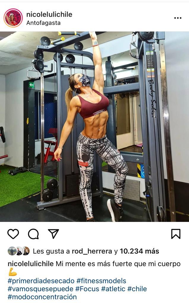 Nicole Moreno enseña su abdomen de acero desde Antofagasta