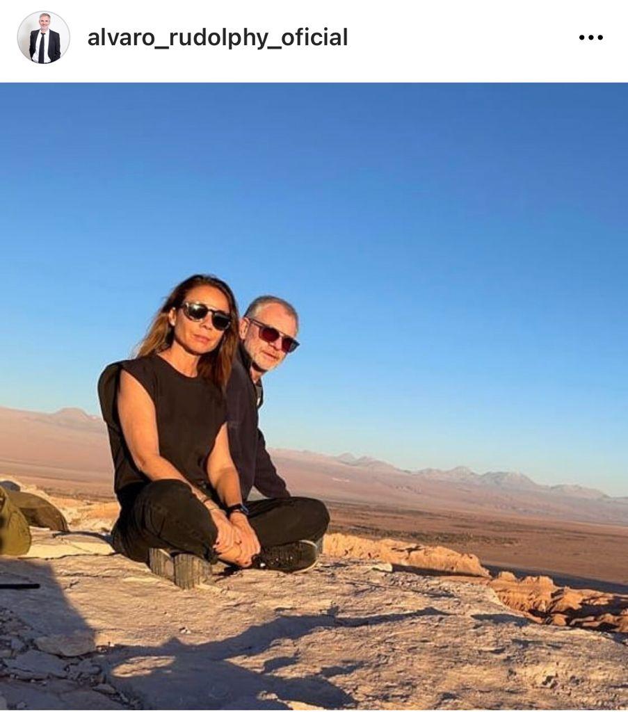 Álvaro Rudolphy encanta con foto playera junto a su esposa