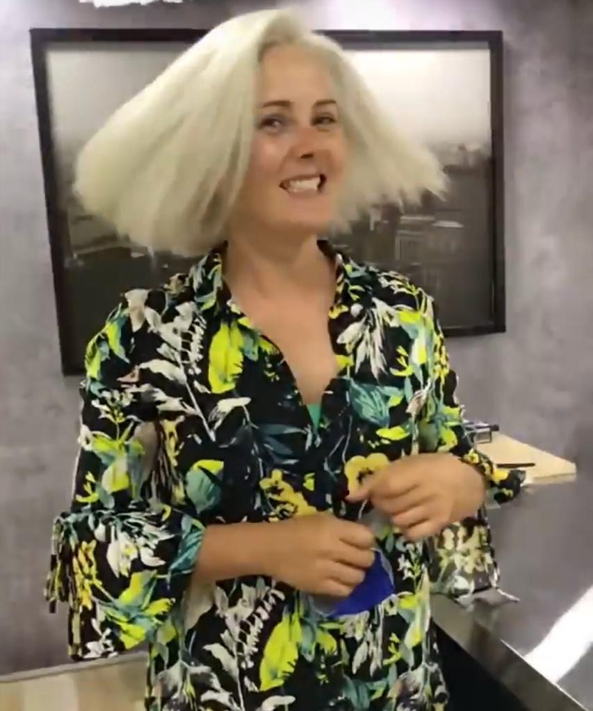 Actriz Araceli Vitta impacta con jugado look a sus 47 años