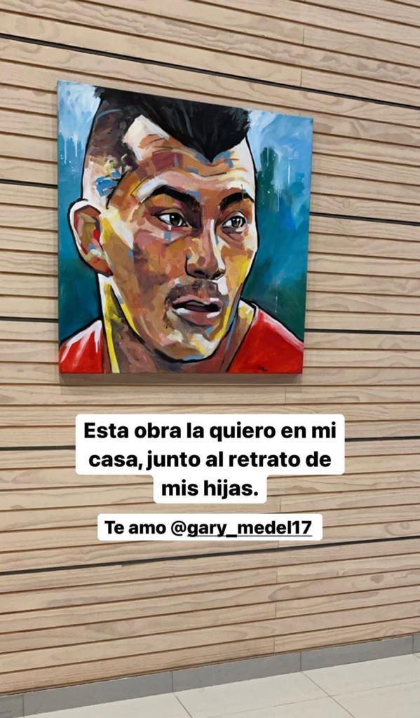 """El juguetón """"coqueteo"""" de Millaray Viera y Gary Medel"""