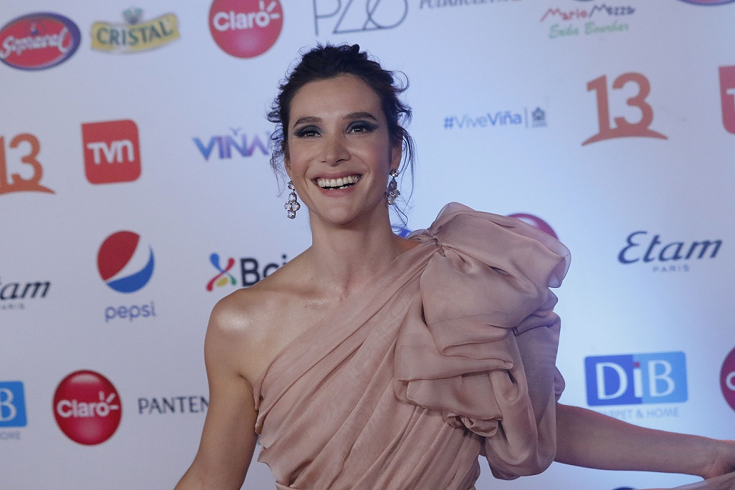 Daniela Ramírez se luce modelando en las calles de Madrid