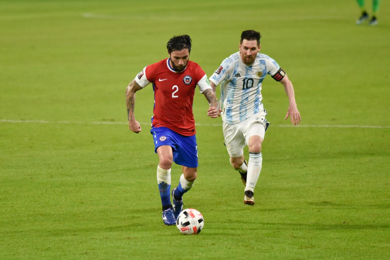 El podio de Chile frente a Argentina