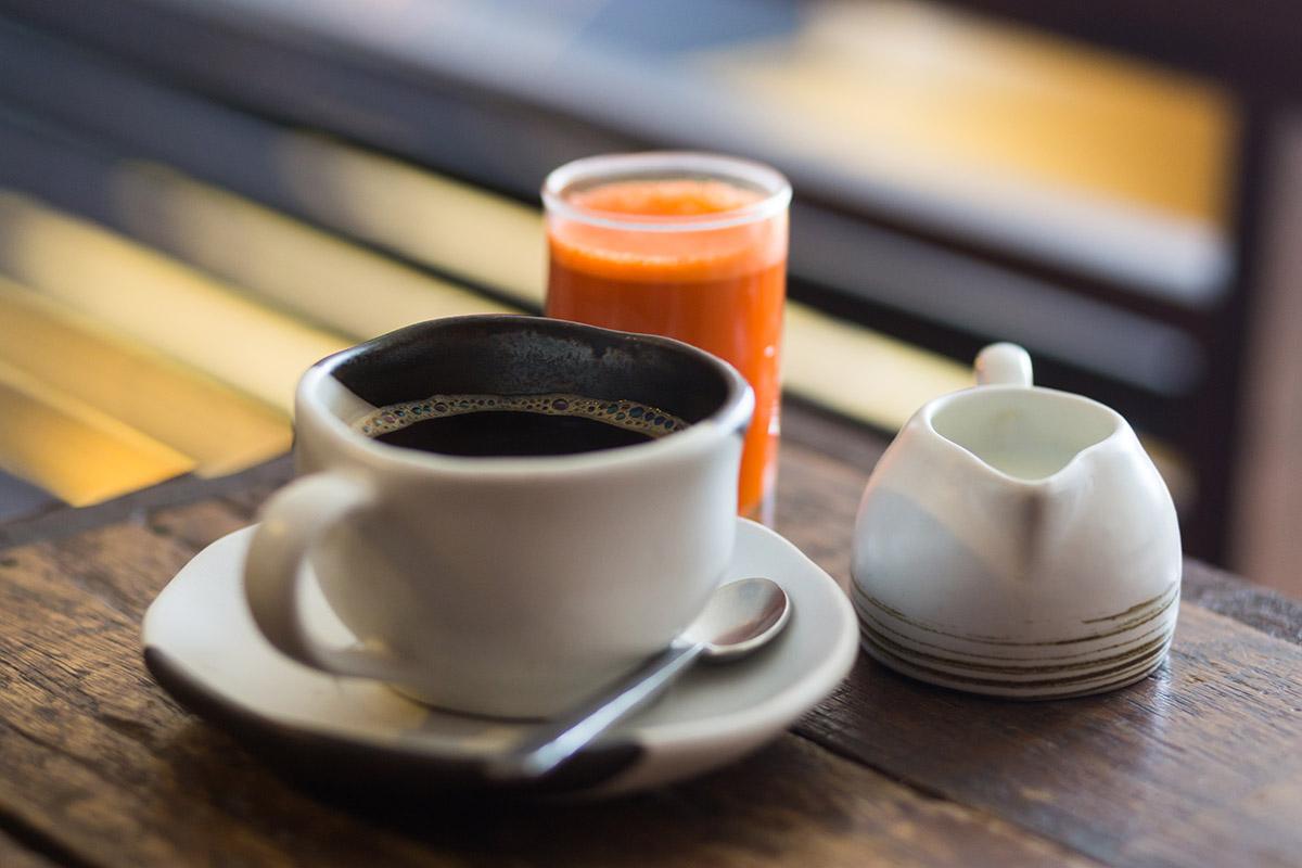 no tomar café tras una comida excesiva
