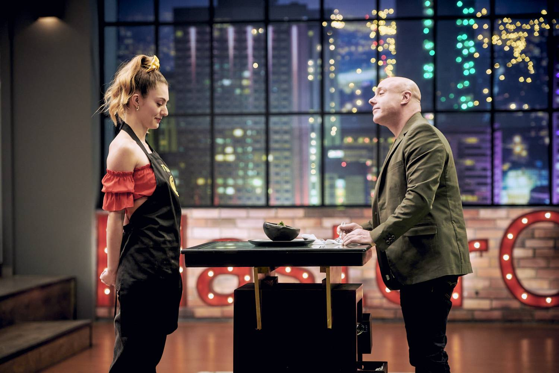 La actriz Tutú Vidaurre se emocionó al mostrar su plato al jurado
