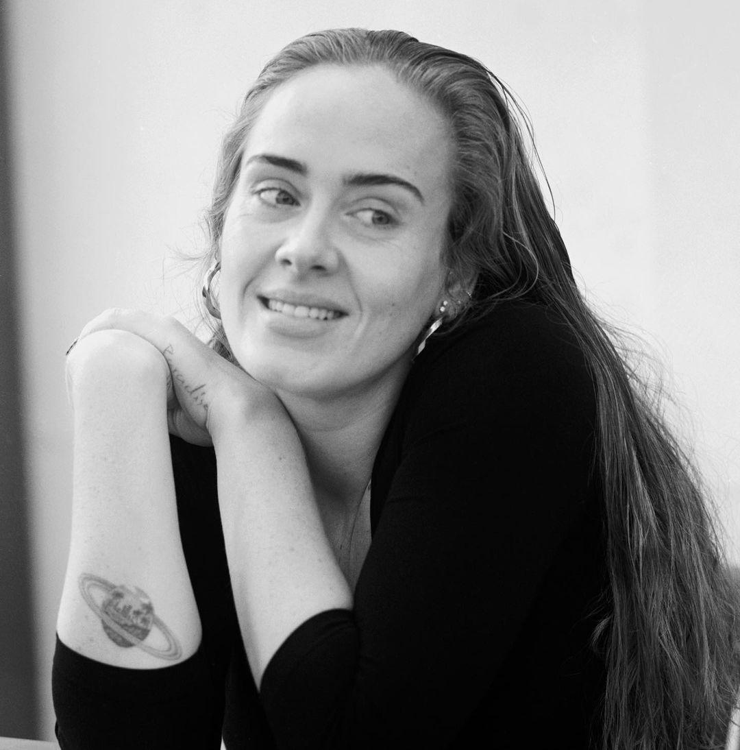 Informe AR: El recuerdo de Anna Faris y la reaparición de Adele