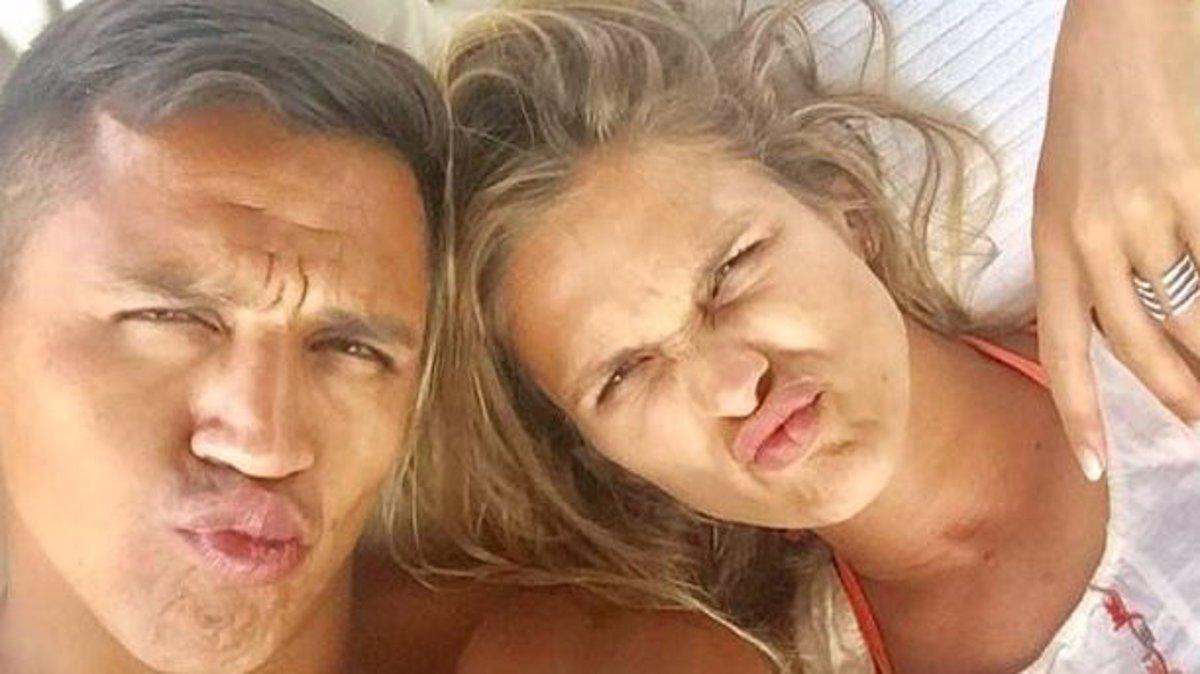 Aseguran que Alexis Sánchez y Mayte Rodríguez se vieron en secreto