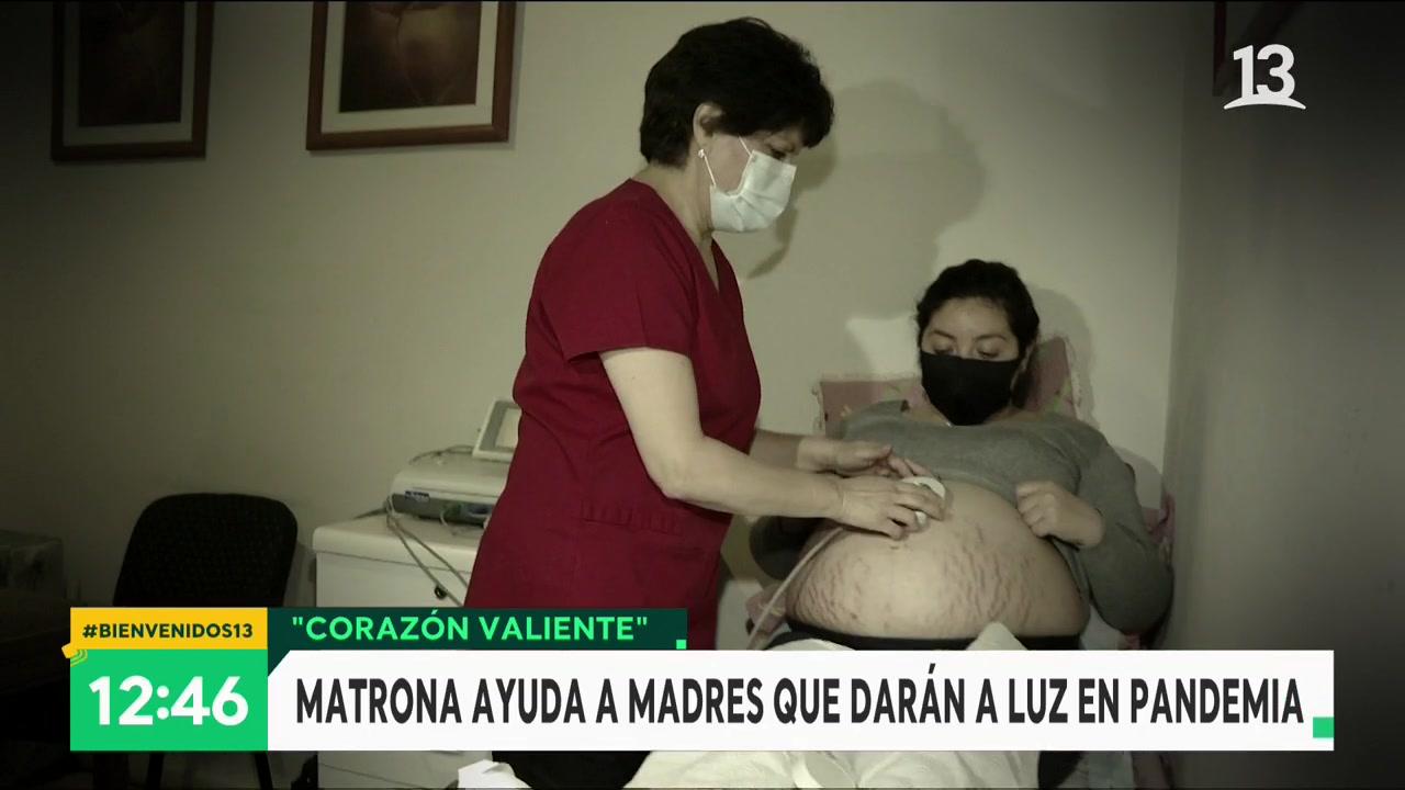 Marisol lleva 38 años como matrona
