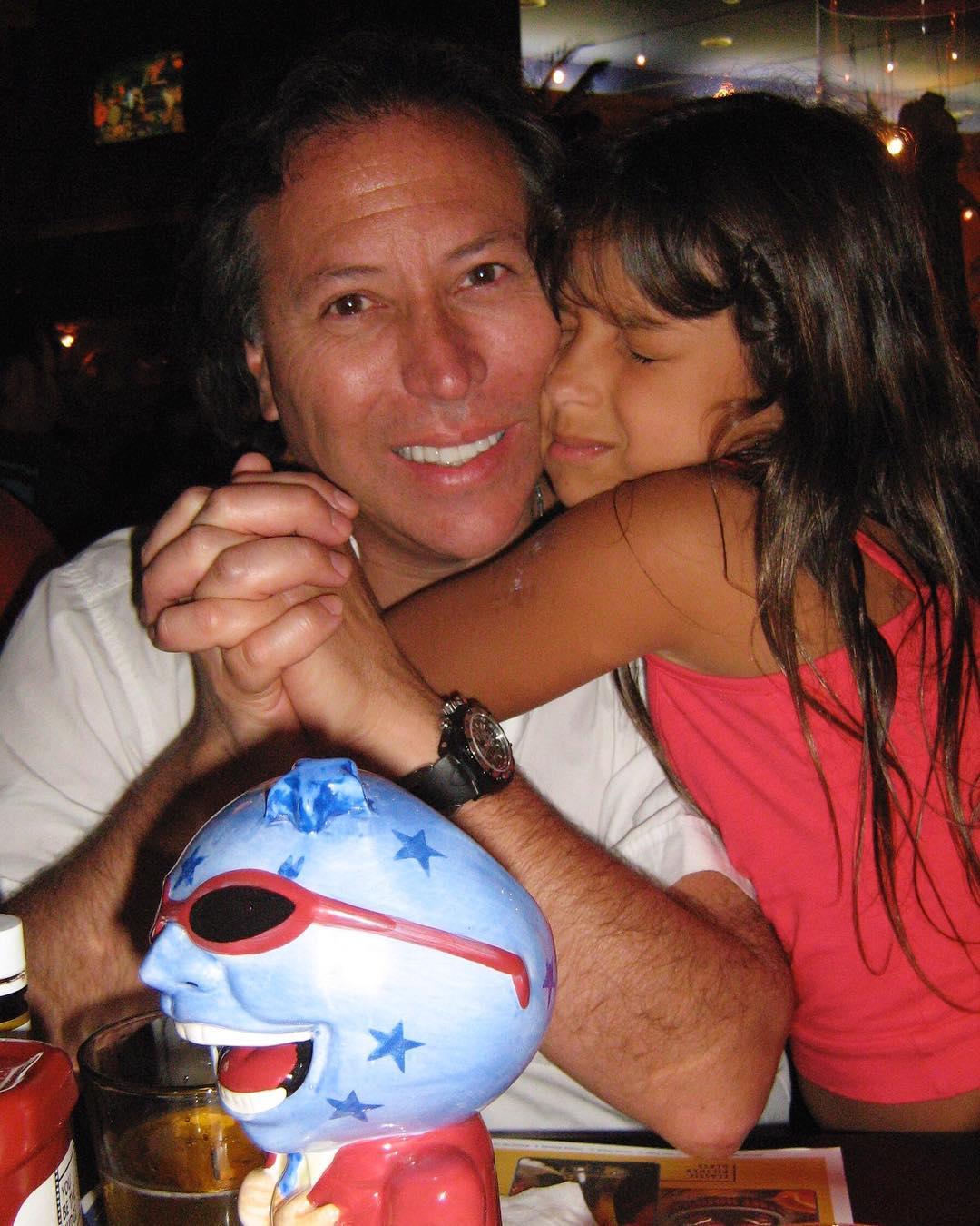 Hija de Carolina Arregui sorprende con look a lo Cardi B