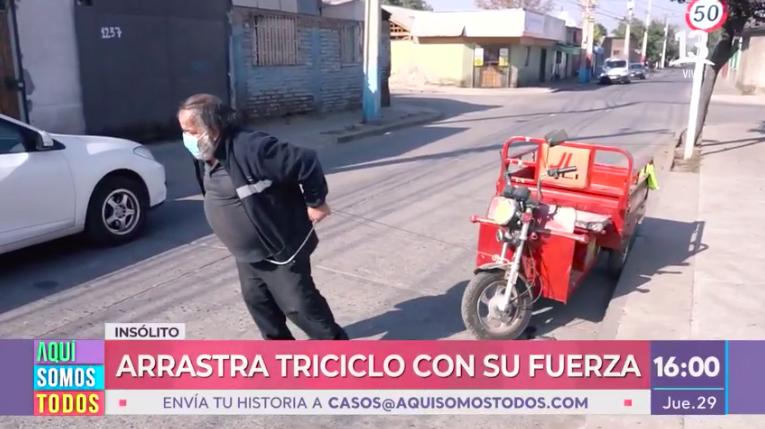historia de Óscar, hombre que debe arrastrar su carro