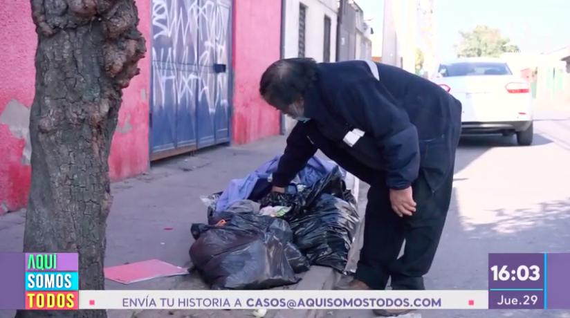 Óscar recolecta basura