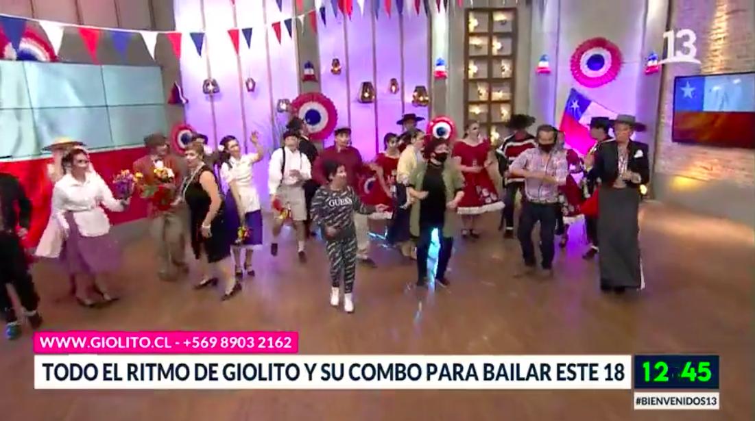"""Raquel Argandoña bailó con la música de """"Giolito y su combo"""""""
