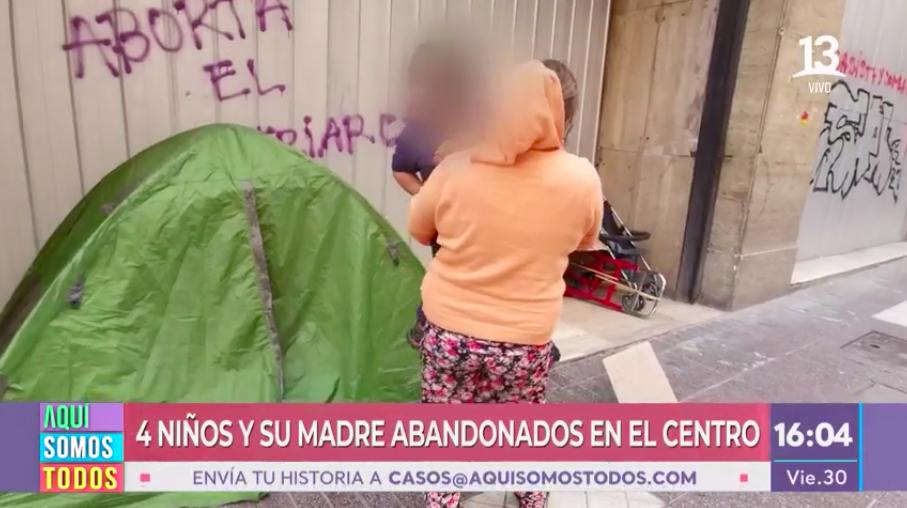 Duro testimonio de una mujer que vive en la calle junto a sus 4 hijos