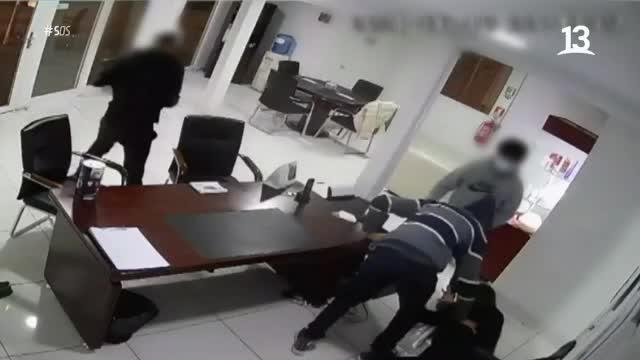 """Emilio Sutherland visita lugar asaltado por """"Los agilados"""""""