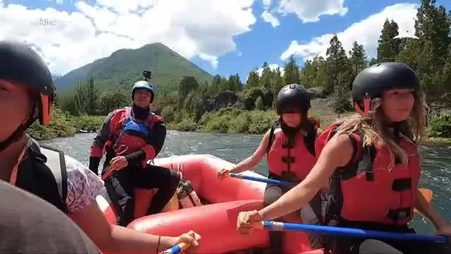 Claudio Iturra participó de entretenido rafting en La Araucanía