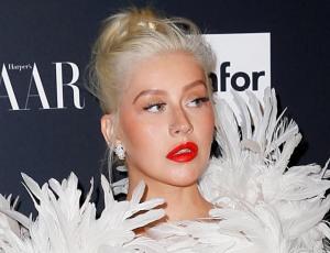 El incómodo momento de Christina Aguilera en un bar: quiso cantar pero nadie la reconoció