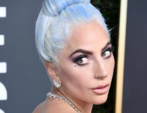El excepcional look de Lady Gaga en los Globos de Oro