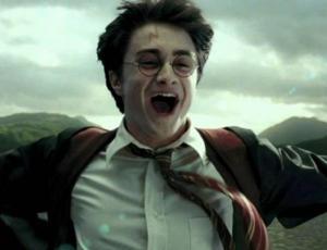 """Daniel Radcliffe confiesa que tuvo problemas con el alcohol por culpa de """"Harry Potter"""""""