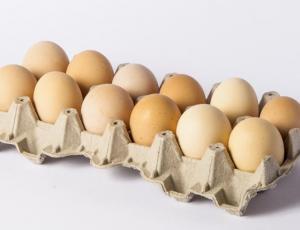 La curiosa razón por la que los huevos se venden en docenas