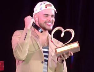 Augusto Schuster causa sensación con su show en la Teletón
