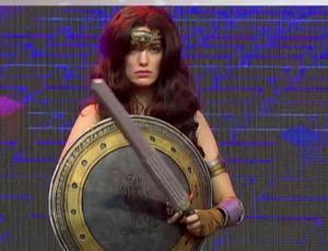 Millaray Viera deslumbra como la Mujer Maravilla en la Gamertón
