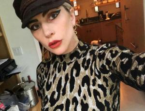 Lady Gaga prepara su propia línea de maquillaje
