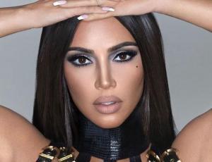 Kim Kardashian posa sin maquillaje en tierna foto junto a su hijo Psalm