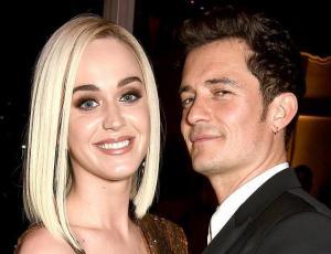 ¡Katy Perry dijo que sí! Cantante se comprometió con Orlando Bloom