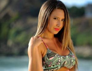 Nicole Moreno se tatuó en señal de apoyo al movimiento social que une a los chilenos