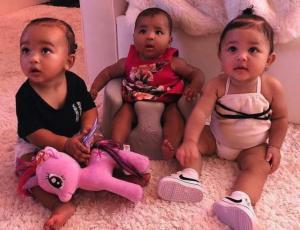 Kim Kardashian les regaló sus primeras carteras de lujo a todas las bebés del clan