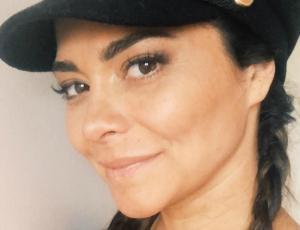 Antonella Ríos responde a las críticas por llevar a su hijo de tres años en coche