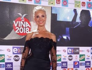 Loreto Valenzuela se lució en la Gala de Viña con transparencias y hombros descubiertos