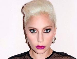 Revelan sesión de fotos de Lady Gaga sin Photoshop