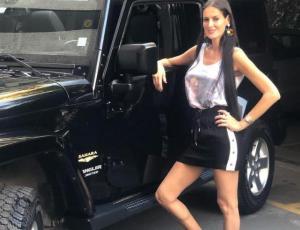 Adriana Barrientos recibe críticas tras publicar foto en bikini