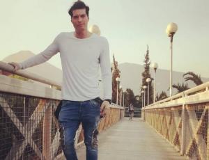 Ignacio Lastra publica estar enamorado a días de terminar con Silvina Varas