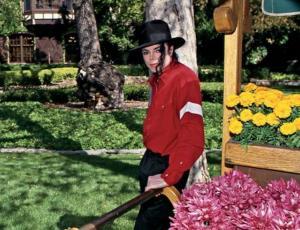 Ex empleada de Michael Jackson dice que la amenazaron de muerte si revelaba lo que pasaba en Neverland