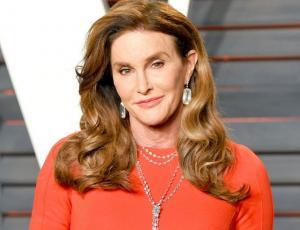 Caitlyn Jenner revela inéditas fotos de sus hijas en el día de la madre