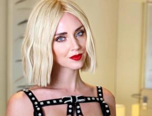 Chiara Ferragni enseña cómo usar su nueva paleta de maquillaje