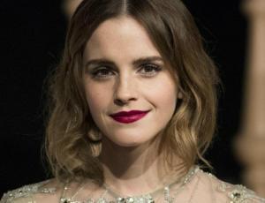 """¡Emma Watson y la """"nueva Sabrina"""" parecen gemelas!"""
